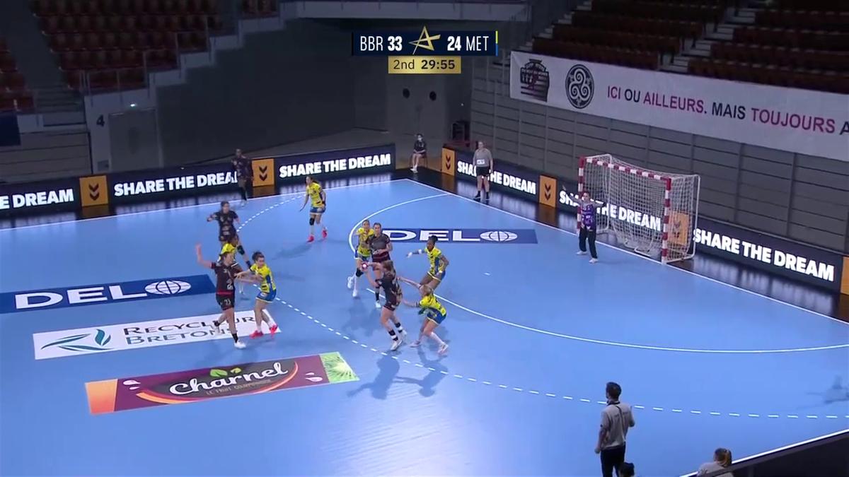 10 buts d'avance et une option pour la qualification : Brest assomme le Metz Handball