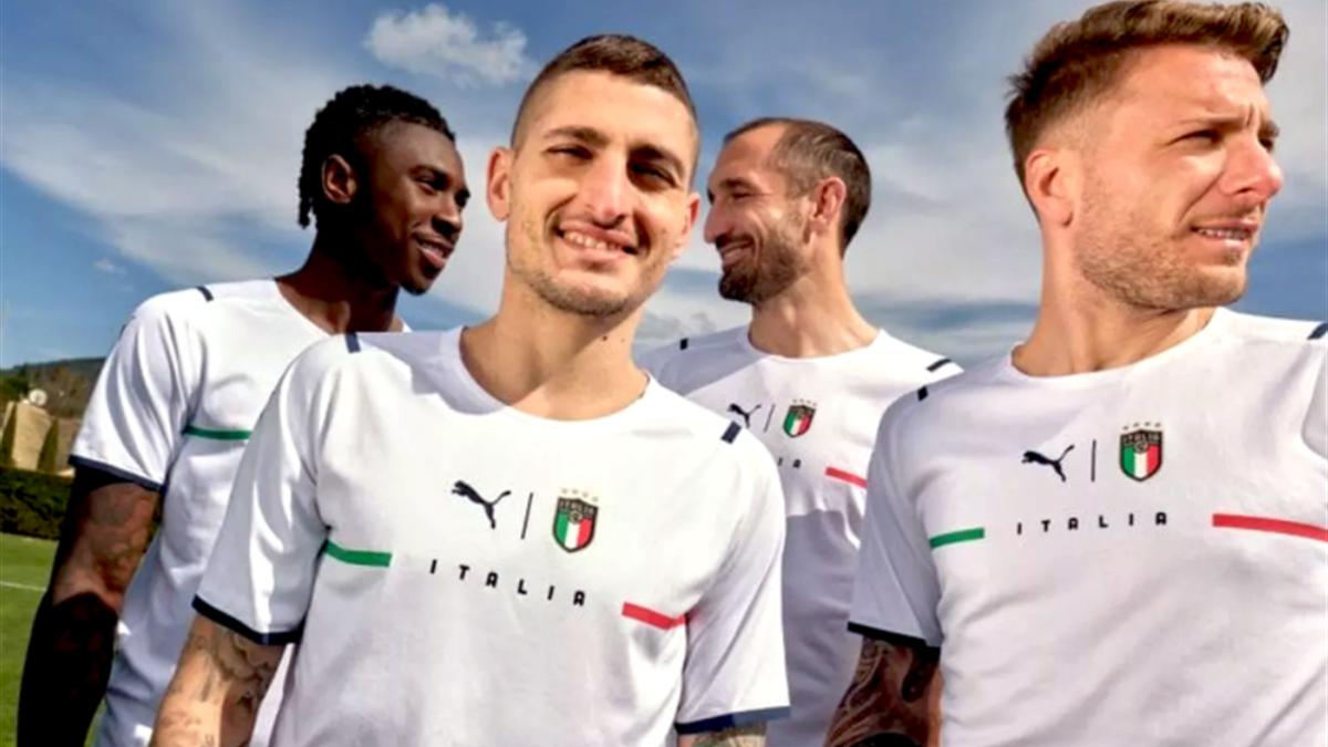 La sélection italienne a dévoilé un deuxième maillot pour le moins simpliste (capture d'écran)