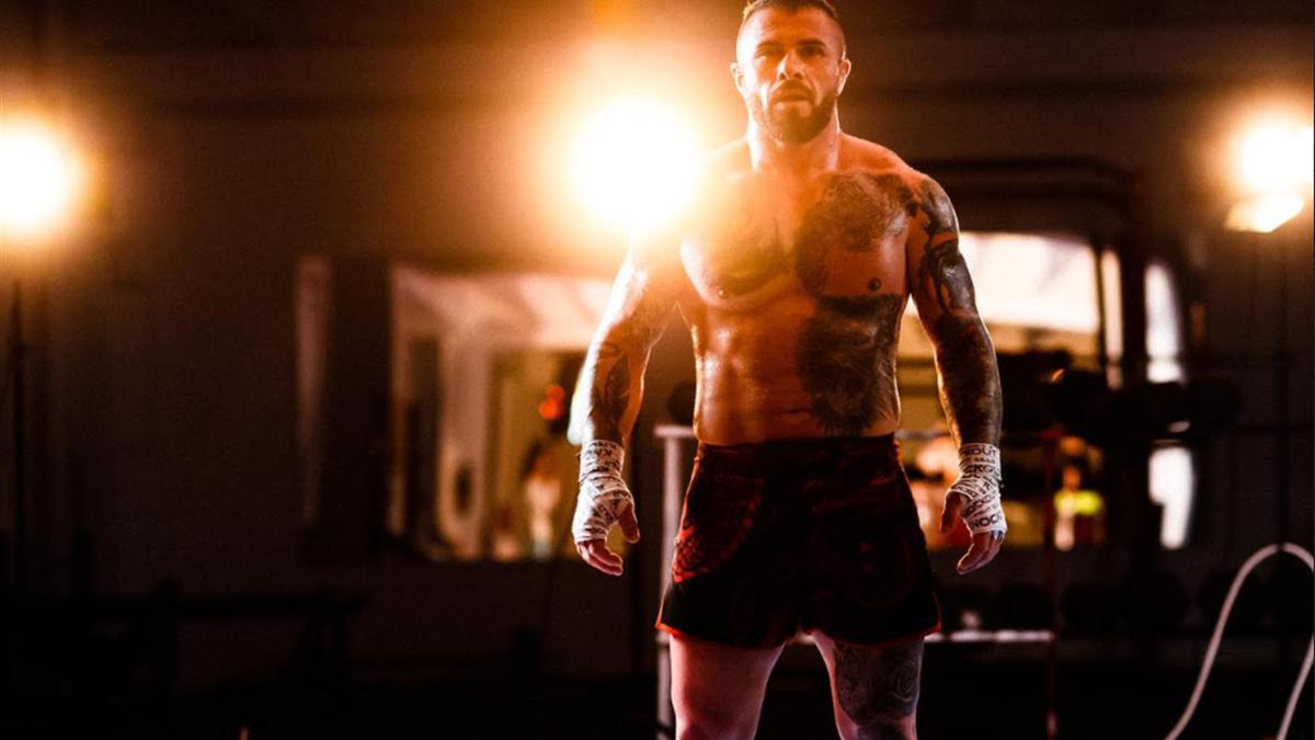 Campionul MMA Alin Chirila a revenit în România după 10 ani