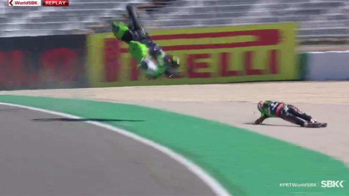 Superbikes   Keiharde crash Rea doet kansen op nieuwe titel flink slinken