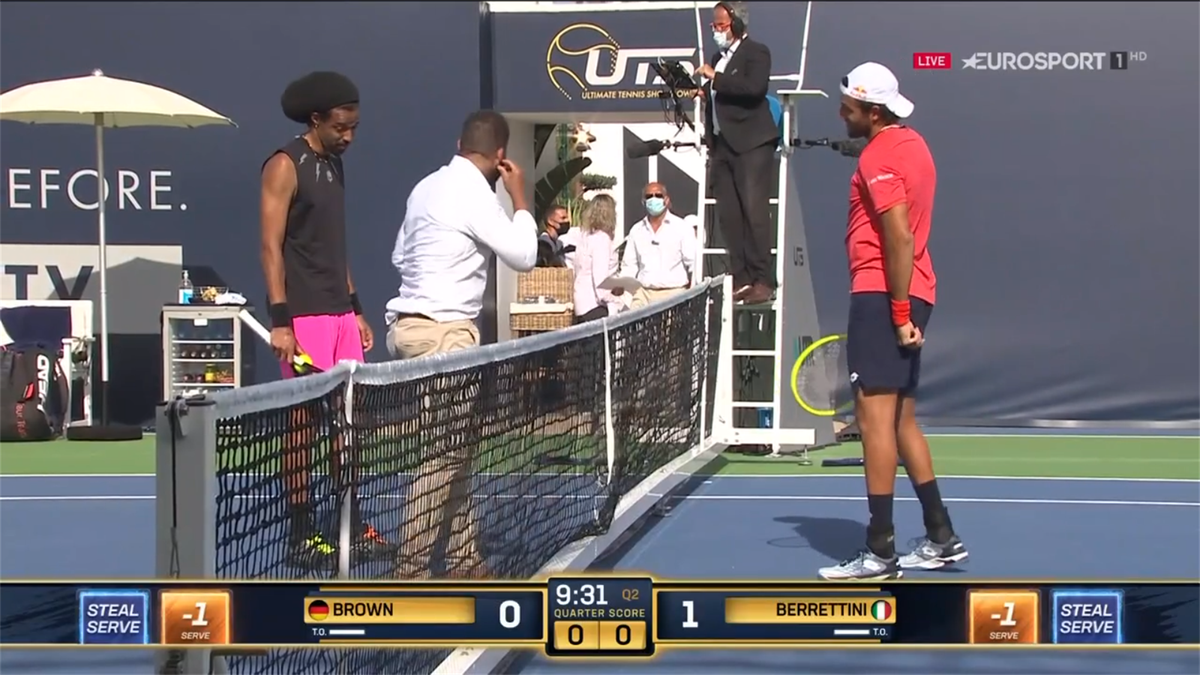 Dustin Brown y Matteo Berretini (Ultimate Tennis Showdown 2020)