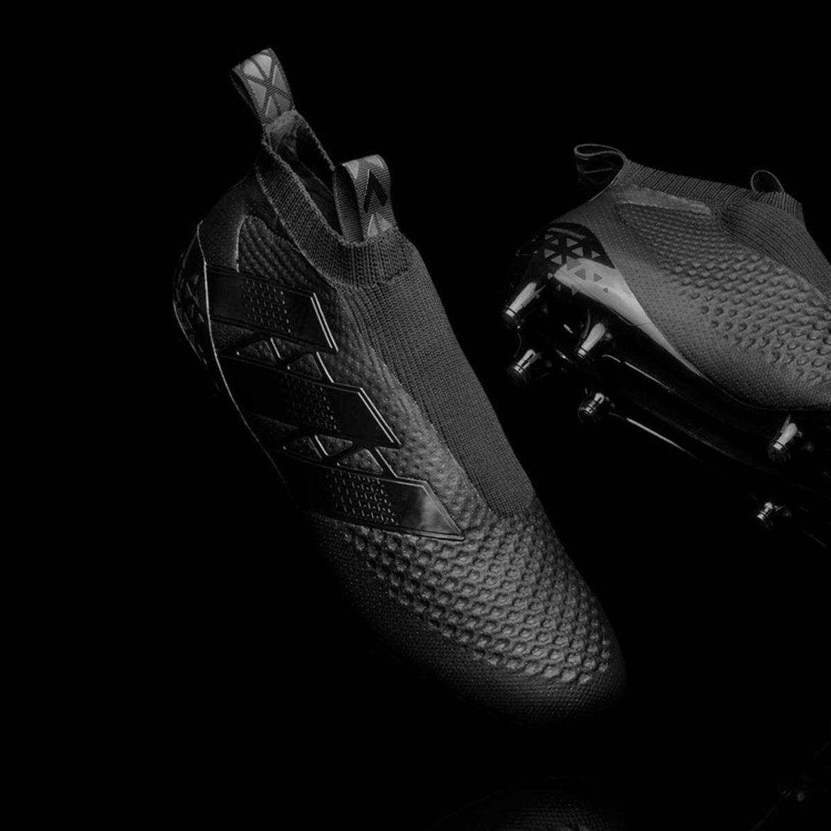 Adidas lance une chaussure de foot sans lacets ! - Eurosport