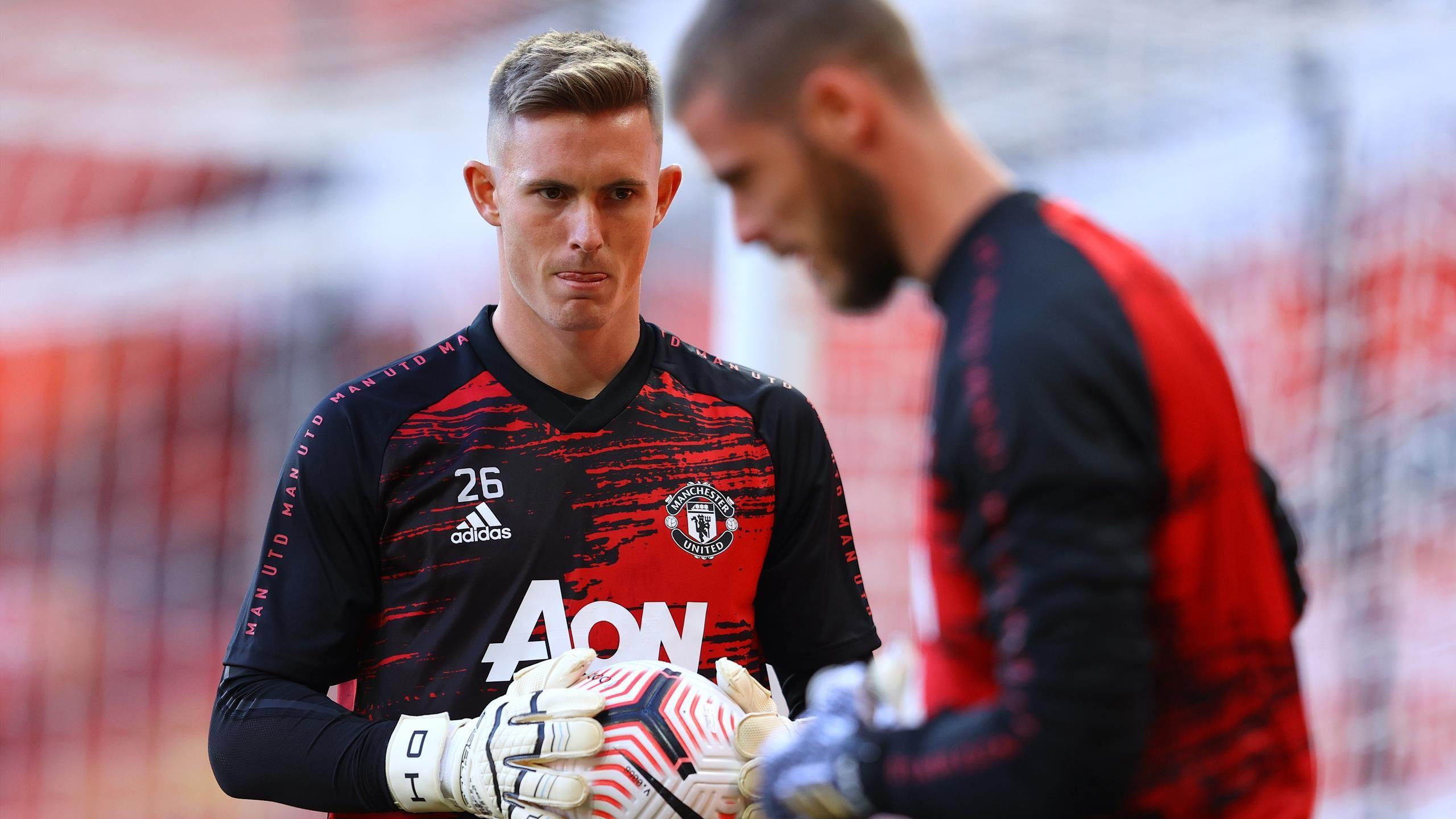 Utd 2022 Calendar.Dean Henderson Manchester United Consider Loan Move For Goalkeeper Paper Round Eurosport
