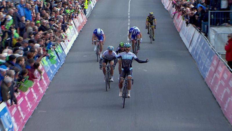 Martin Mortensen gana el Tro Bro Leon con un esprint imponente