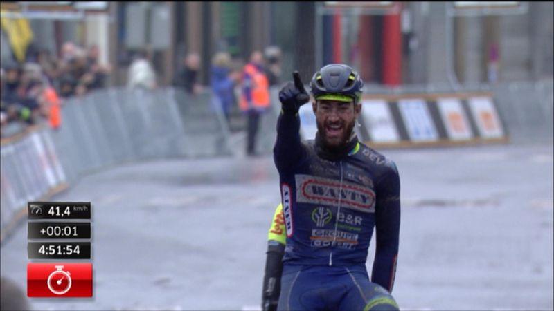 Van Keirsbulck a résisté à ses concurrents et à la météo pour s'imposer en costaud