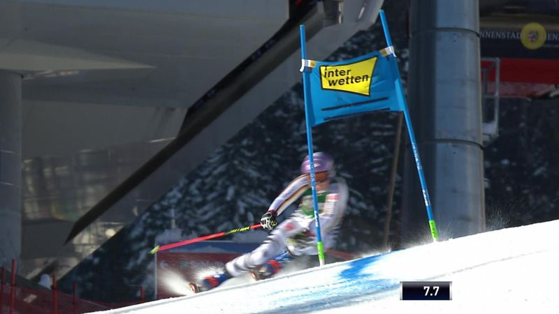 Rebensburg leads Shiffrin after first leg of GS