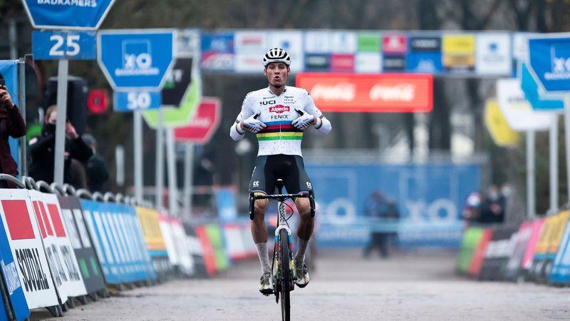 Matthieu Van Der Poel torna re del ciclocross