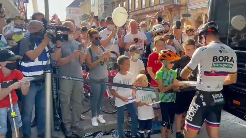 ¡Levanta pasiones! El recibimiento a Sagan antes del Tour de Eslovaquia