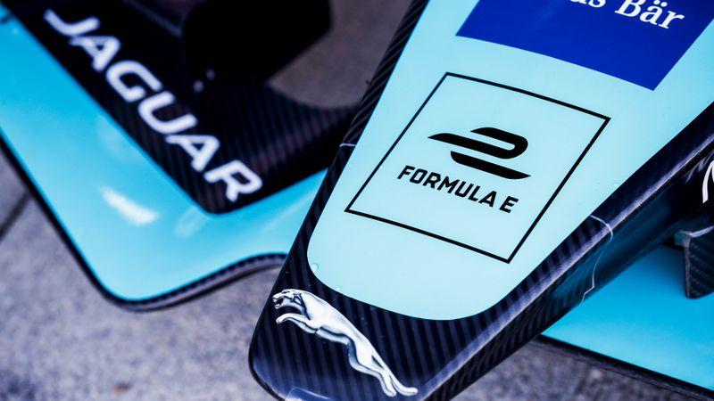 Formula E: Accelerate