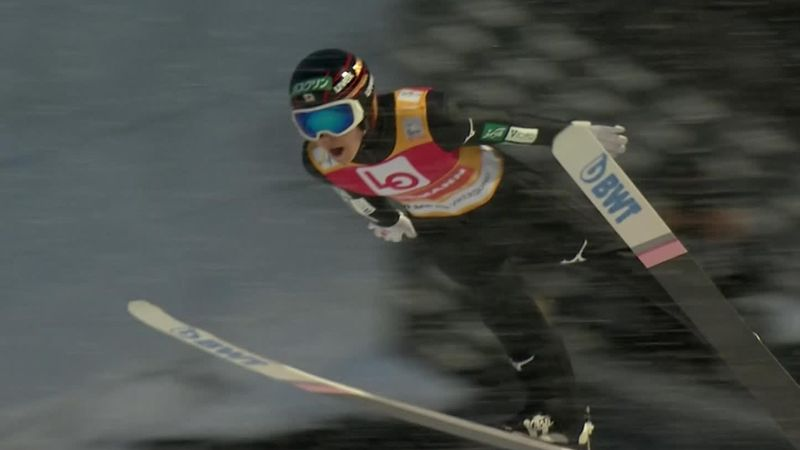 Ryoyu Kobayashi lands another superb qualifying jump