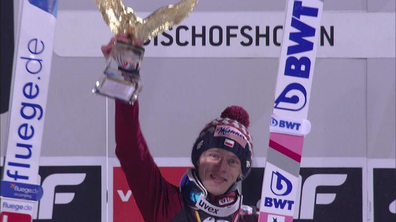 Vierschansentoernooi | Dawid Kubacki heeft zijn handen vol aan alle prijzen op het podium