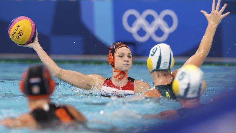 Tokyo 2020 | Dames waterpolo laten zege door vingers glippen tegen Australie