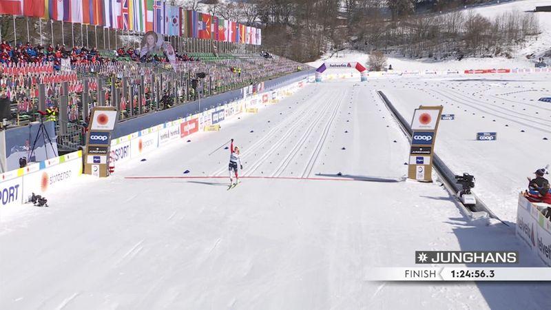 Карлссон упала на финише и не встала. Ей оказали помощь