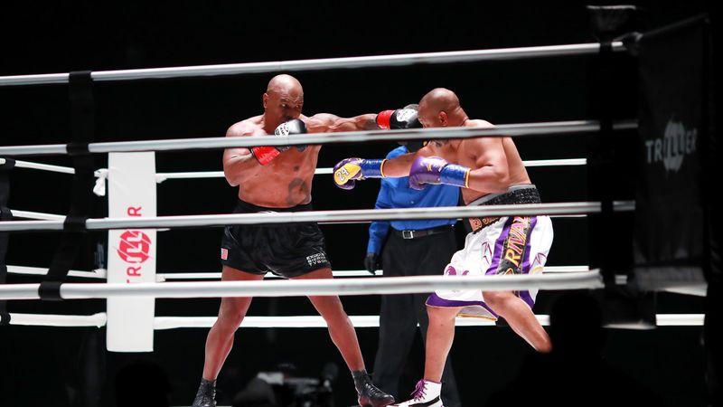Tyson vs Roy Jones Jr: il meglio del grande ritorno di Mike