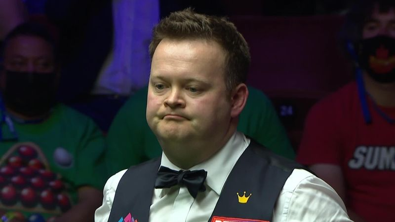 'Selby gets his chance' - Murphy misses crucial red in final frame