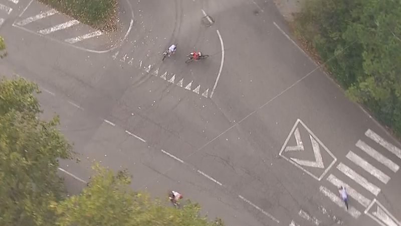 Race bike leads riders wrong way in Tre Valli Varesine farce
