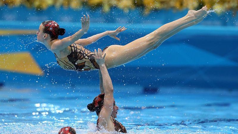 Russia's near-perfect synchronised swimming routine at London 2012