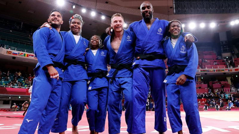 A judo szentélyében verték a franciák a hazaiakat az olimpián debütáló csapatversenyen