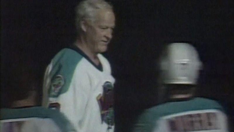 NHL megastar Gordie Howe dies at age 88