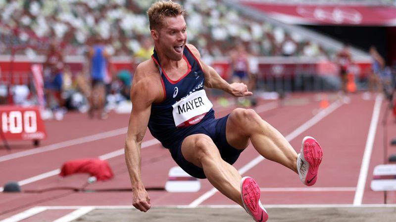 Mayer assure la longueur : son 2e saut en vidéo