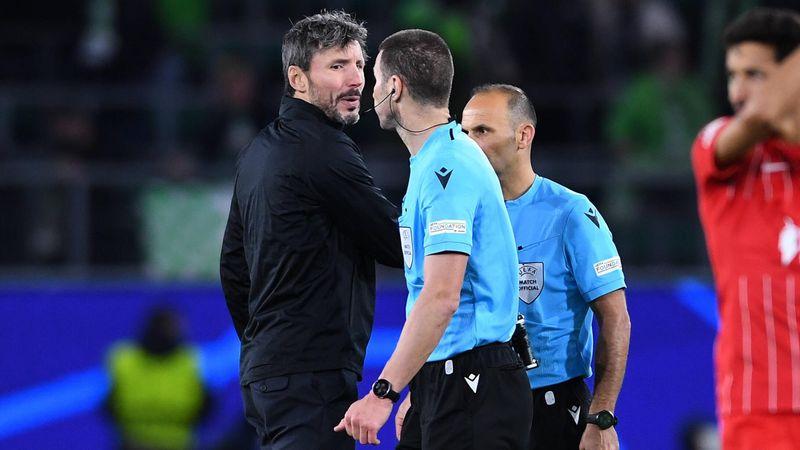 """""""Ärgerlich und fraglich"""": Van Bommel regt sich über Schiedsrichter auf"""