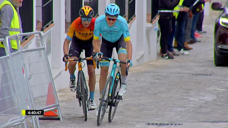 Fuglsang powers away from Landa to win opening stage