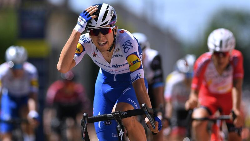 Andrea Bagioli wins 'remarkable sprint finish' on Stage 1 of Tour de l'Ain