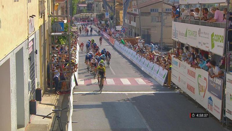 Coppa Sabatini: Dion Smith arrasa al esprint; Carlos Barbero décimo