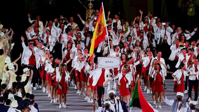 Revive el desfile de España: las sonrisas de Craviotto y Mireia y toda la emoción del equipo