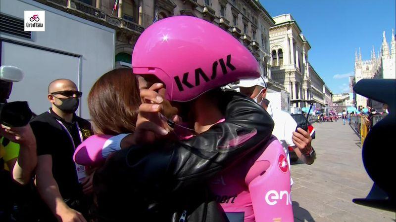 Чемпионский финиш в розовом от Берналя – у «Джиро» новый чемпион