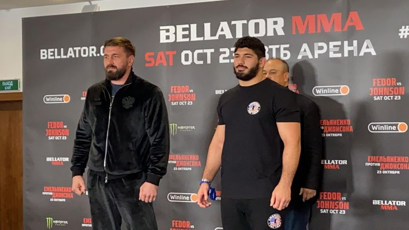 Минаков пронзил соперника взглядом перед боем на Bellator