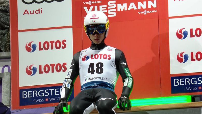 Yukiya Sato vuela 133 metros para liderar la clasificación de Zakopane