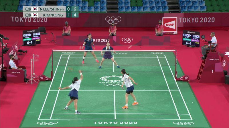 Schier unendliche Rally im Badminton-Doppel