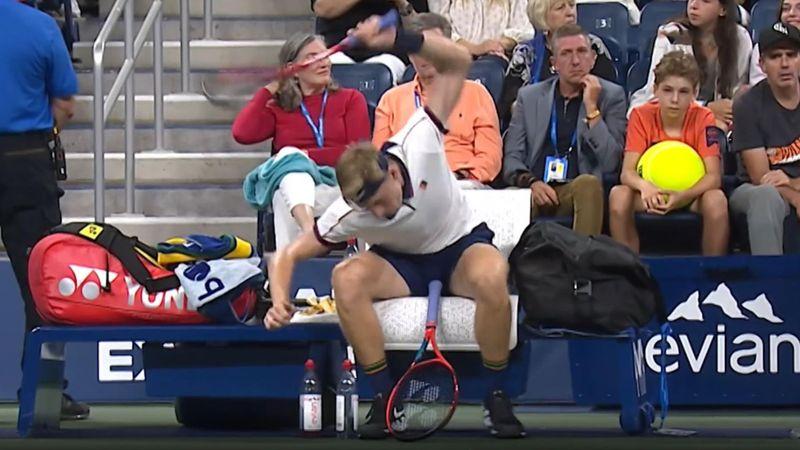 Feinstes Kleinholz: Djokovic und Shapovalov rasten komplett aus