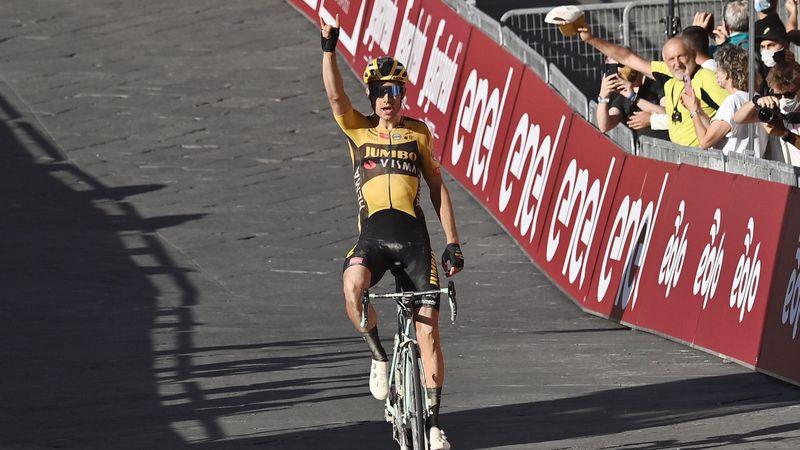 Strade Bianche: Finish
