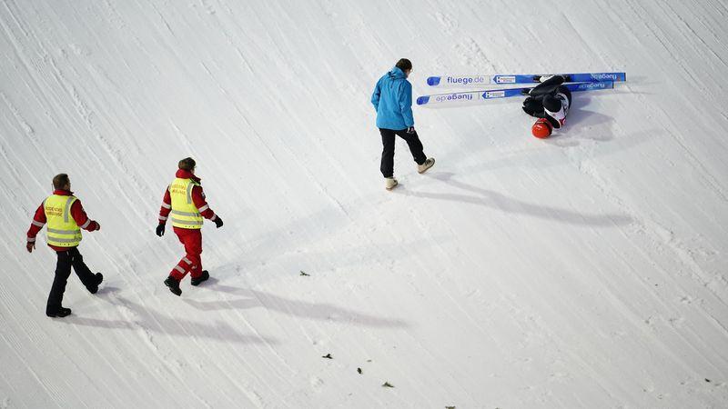 Schwerer Sturz: Sorge um Skispringer Leyhe