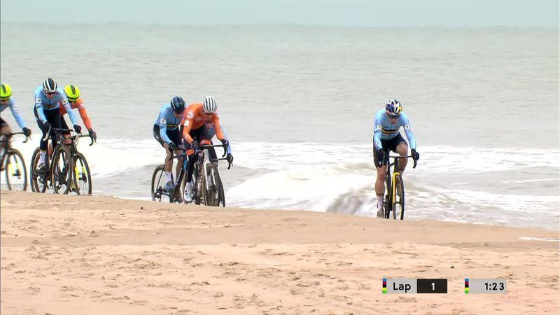 Pedaleando sobre la playa y el mar: belleza máxima en el Mundial de ciclocross