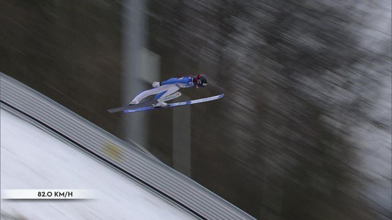 Страшное падение прыгающей лыжницы – девушка не поднялась с трассы