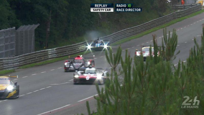 Самая нелепая авария в истории «Ле-Мана»: гонщик врезался в отбойник во время прогревочного круга