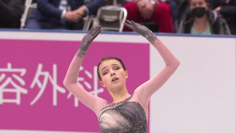 Щербакова прыгнула почти идеальный квад и взяла 1-е место