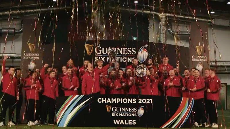 Il Galles fa festa: Jones alza la Coppa del Sei Nazioni