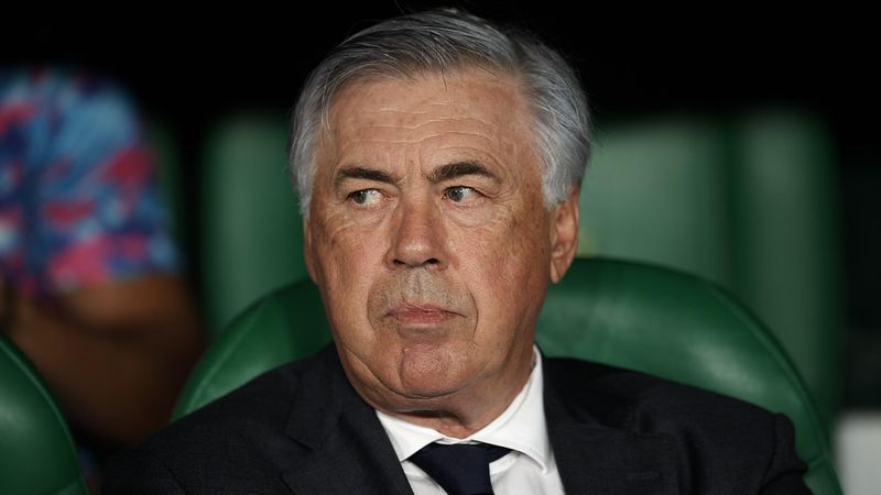 """Ancelotti, sobre Hazard: """"Su problema es que el entrenador prefiere que juegue otro"""""""
