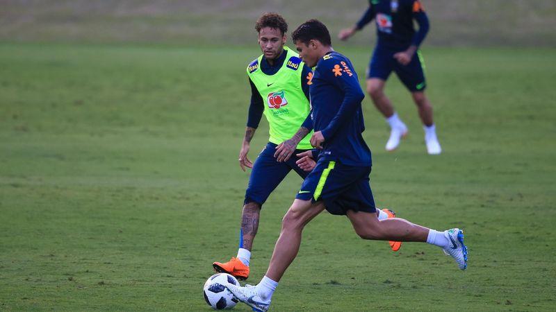"""Thiago Silva : """"Neymar n'est pas encore au niveau du reste du groupe"""""""