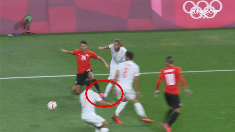 Fútbol   Mingueza fue víctima de la dureza egipcia con este pisotón