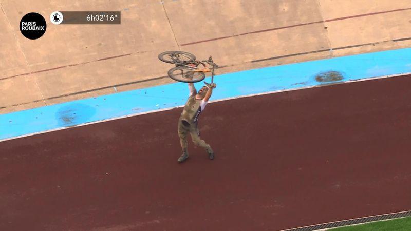 'Viva Italia! Forza Italia! They've done it finally' - Colbrelli sprints to Paris-Roubaix victory