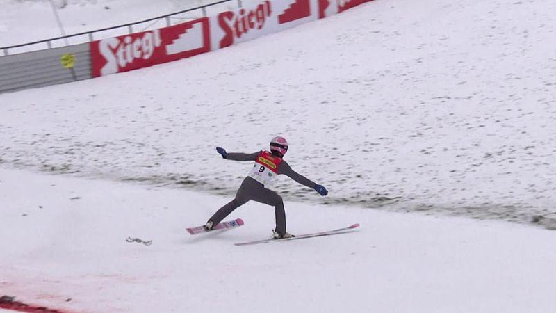 Saltos de esquí, Copa del Mundo: Aterrizaje abrupto de Koudelka que termina en el suelo