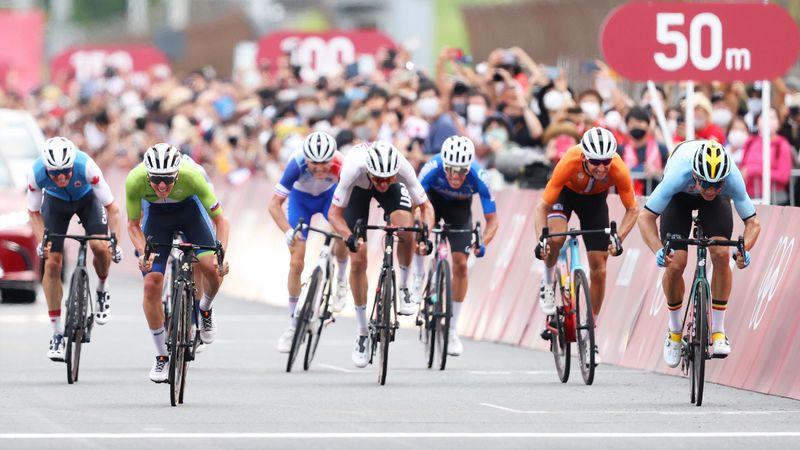 Ciclismo | La foto-finish entre Van Aert y Pogacar y el peor día posible para España