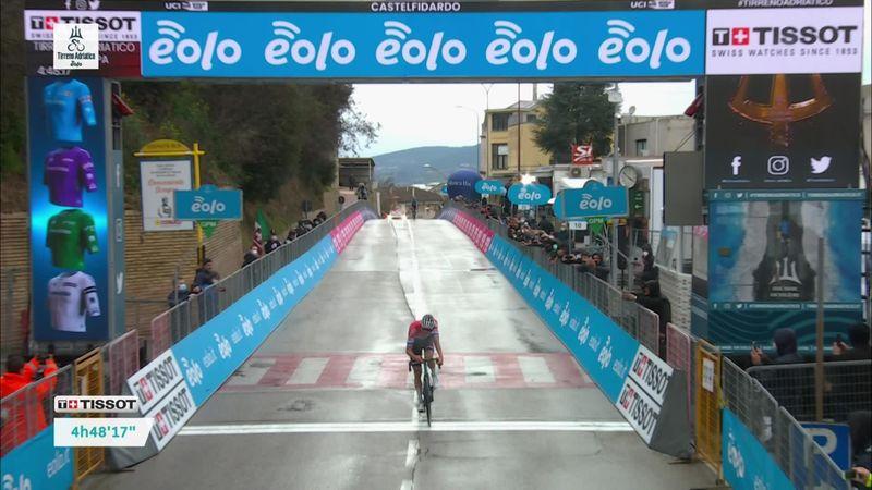 Van der Poel, succes în Tirreno, după un atac cu 52 km înainte de final. Pogacar, lider autoritar