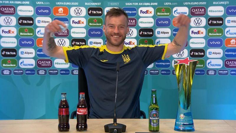 """Genial respuesta de Yarmolenko a la polémica de la Coca-Cola: """"¡Chicos, llamadme!"""""""