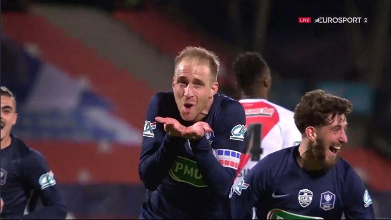 """Un """"golazo"""" signé Peuget : Revivez l'ouverture du score de Rumilly Vallières"""